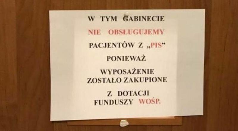 Kartka na drzwiach gabinetu doktora Wieczorka