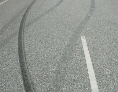 Samochód przejechał 79-latkę. Droga zablokowana