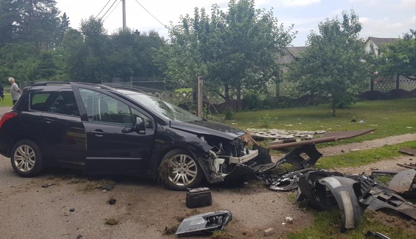 Zdjęcia z wypadku zamieszczone na Facebooku przez OSP Myszyniec