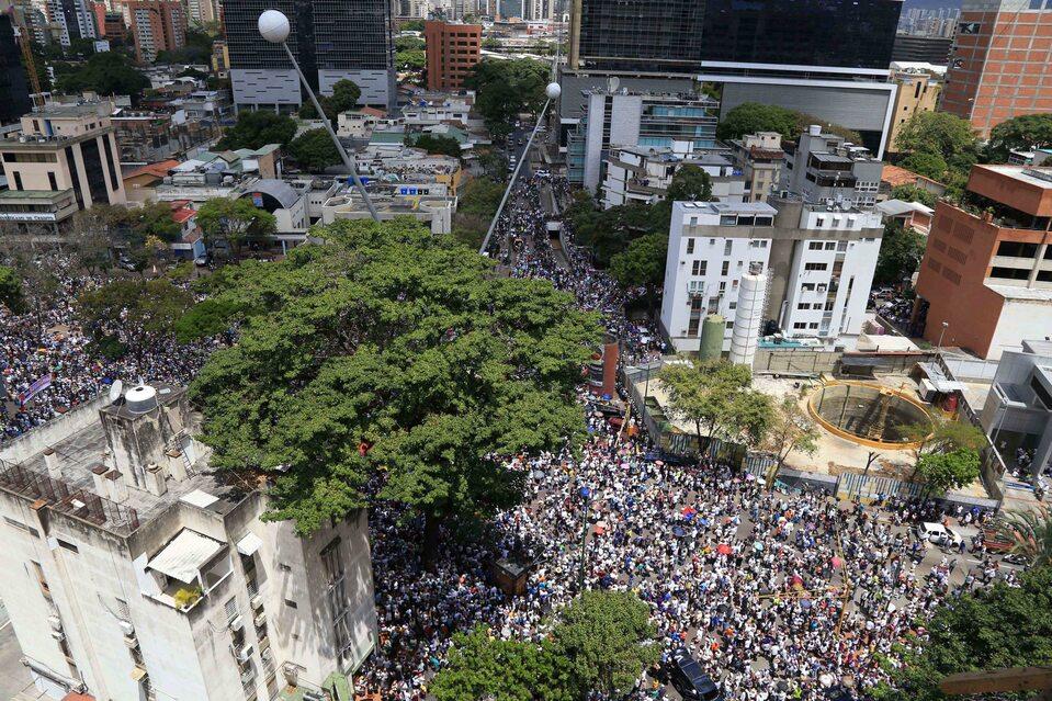 Wielotysięczny protest w Caracas przeciwko prezydentowi Nicolasowi Maduro