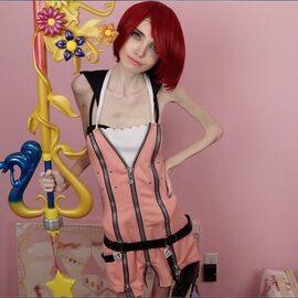 Eugenia Cooney – ma miliony fanów, jest oskarżana o promowanie anoreksji