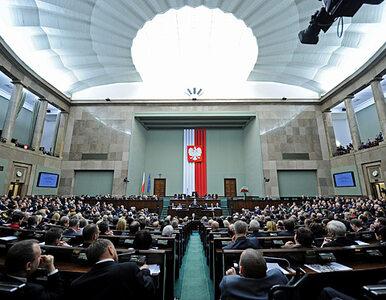 Ostry spadek poparcia dla PO. Ziobryści w Sejmie
