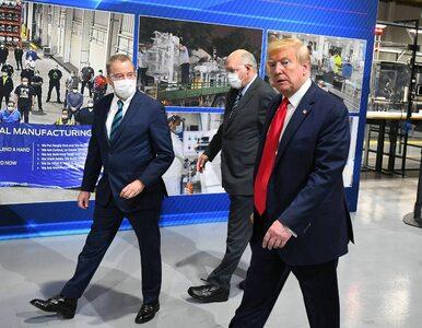 Donald Trump złamał prawo? Wizytował fabrykę bez maseczki