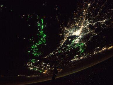Skąd zielone światła na zdjęciach astronautów? NASA wyjaśniło zagadkę