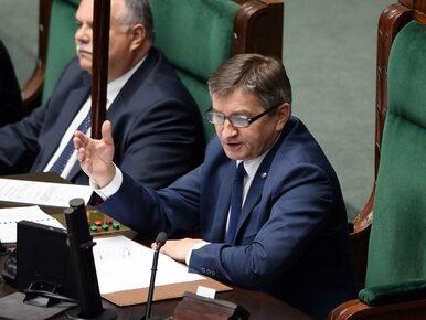 Nocna debata w Sejmie. Opozycja krytykuje marszałka Kuchcińskiego....