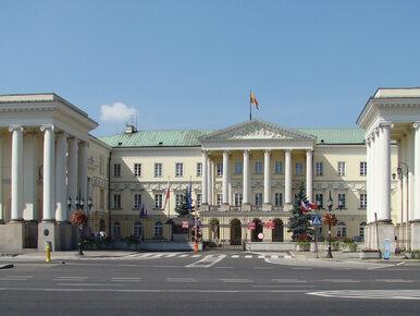 CBA w warszawskim ratuszu. Funkcjonariusze zabezpieczają dokumentację
