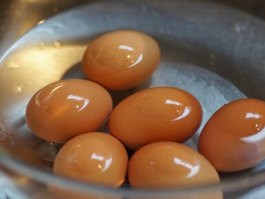 Nie wylewaj wody po gotowaniu jaj. Można ją sprytnie wykorzystać....