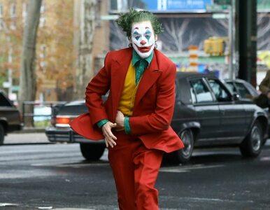 """Rodziny ofiar strzelaniny z 2012 roku oburzone brutalnością filmu """"Joker"""""""