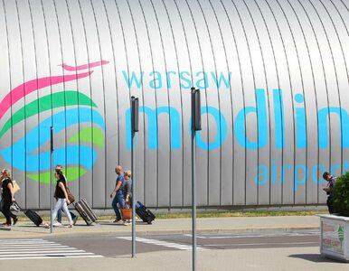 Mały samolot rozbił się na lotnisku w Modlinie. Ruch w porcie lotniczym...