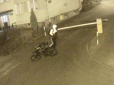 """Brawura czy głupota? """"Wyczyn"""" rowerzysty w Elblągu uwieczniono na nagraniu"""
