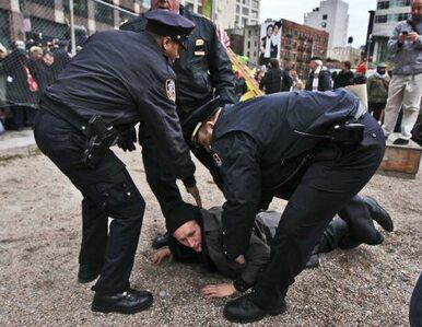 USA: akcja Okupuj Wall Street trwa. Demonstranci walczą z policją......