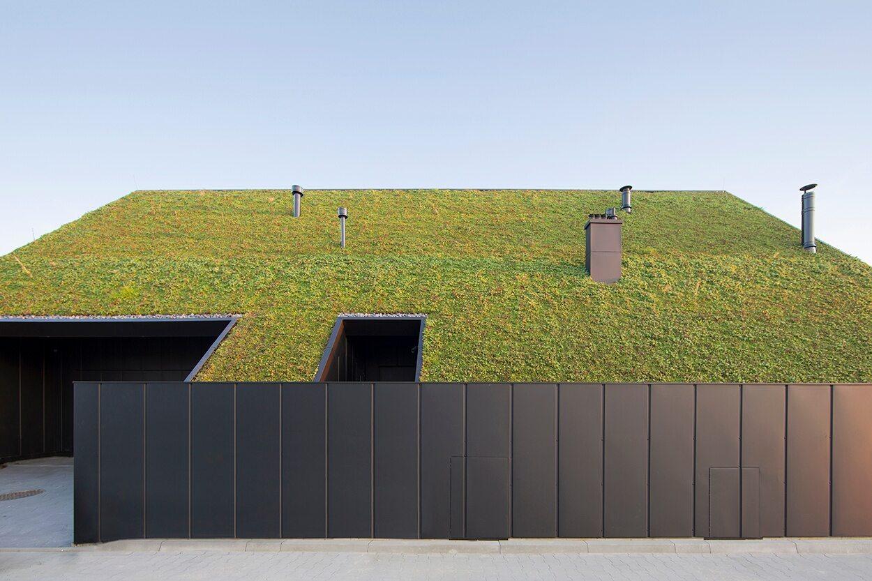 Dom zaprojektowany został przez Superhelix Pracownia Projektowa