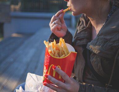 Czy maseczki na twarz pomagają ograniczyć podjadanie?