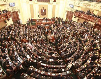 Egipcjanie wybierają nowy parlament. Niespiesznie