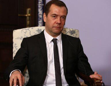 Nawalny ujawnia majątek Miedwiediewa. Rezydencje, osiedla i winnice z...