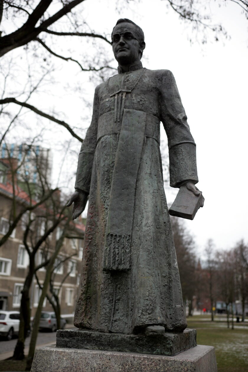 Pomnik ks. Henryka Jankowskiego