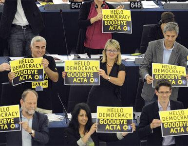"""""""Zgraja rzuciła się na ACTA i zwyciężyła"""""""