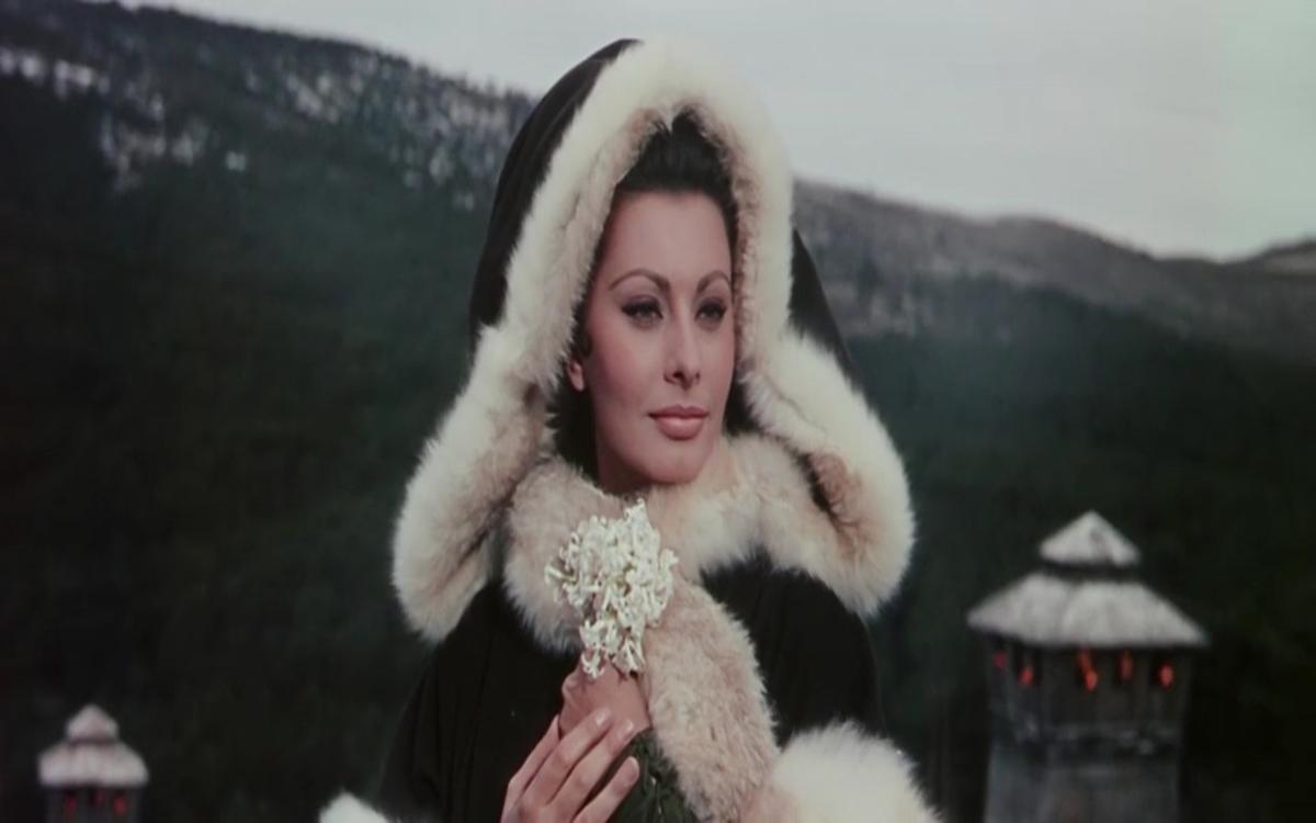 """Sophia Loren w filmie """"Upadek Cesarstwa Rzymskiego"""" (1964)"""