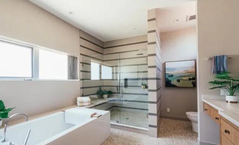 Emilia Clarke sprzedaje swój dom w Los Angeles
