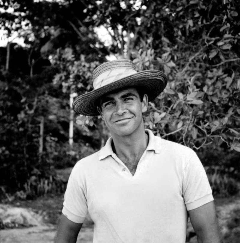 """Sean Connery w filmie """"Dr. No"""" (1962)"""