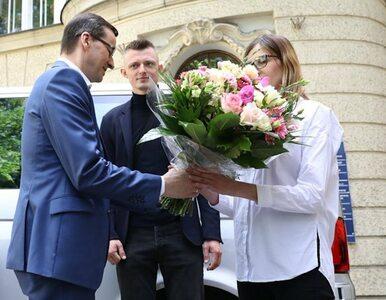 Zobacz, jakie auto premier Morawiecki przekazał rodzicom sześcioraczków