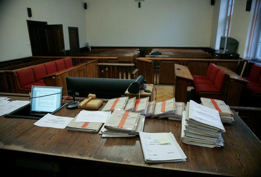 Akta sądowe, zdjęcie ilustracyjne