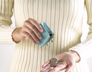 Zarobki 2011: Kobiety zarabiają o 800 zł mniej niż mężczyźni