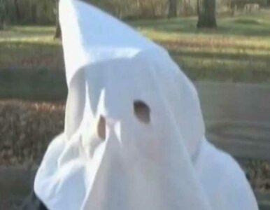 Burza w USA. 7-latek w stroju Ku Klux Klanu